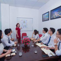 Một buổi đào tạo tại văn phòng Công ty VHS do chị Mai Khanh phụ trách.